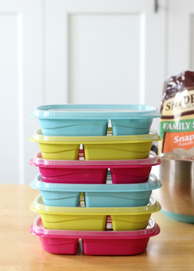 plastic food containers stacked with lids