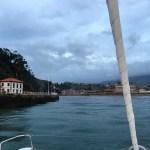 Die Hafeneinfahrt ist bei Niedrigwasser nur 30cm tief