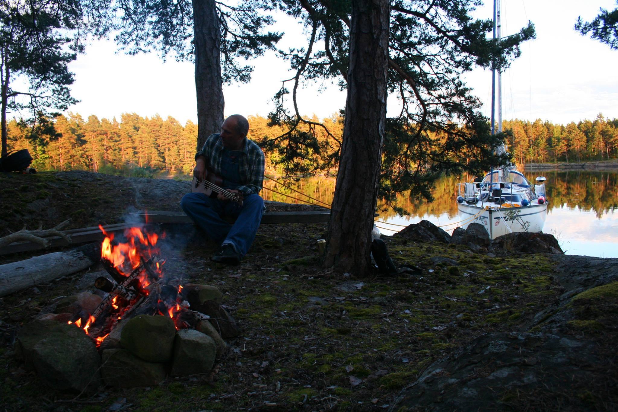 Lagerfeuer in den Schären