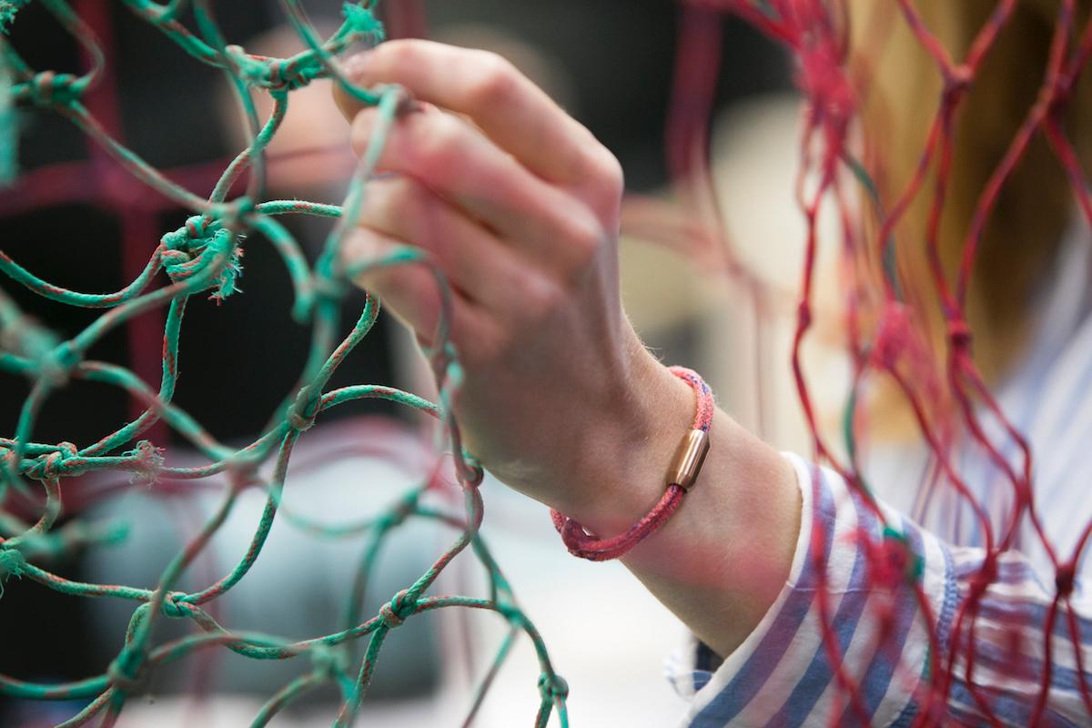 Gefahr im Meer: freischwimmende Fischernetze