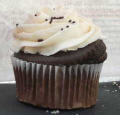 Ellie's - Chocolate Cupcake with Vanilla Frosting