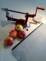 Apples, peeler, crust: ready to go!