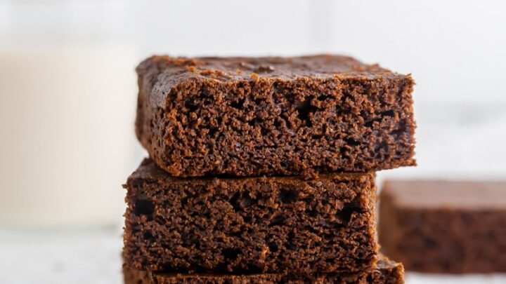stack of three gluten free gingerbread bars