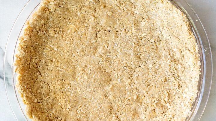 gluten free graham cracker crust in a pie pan
