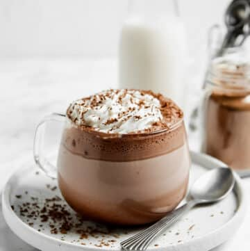 gluten free hot cocoa in a clear mug