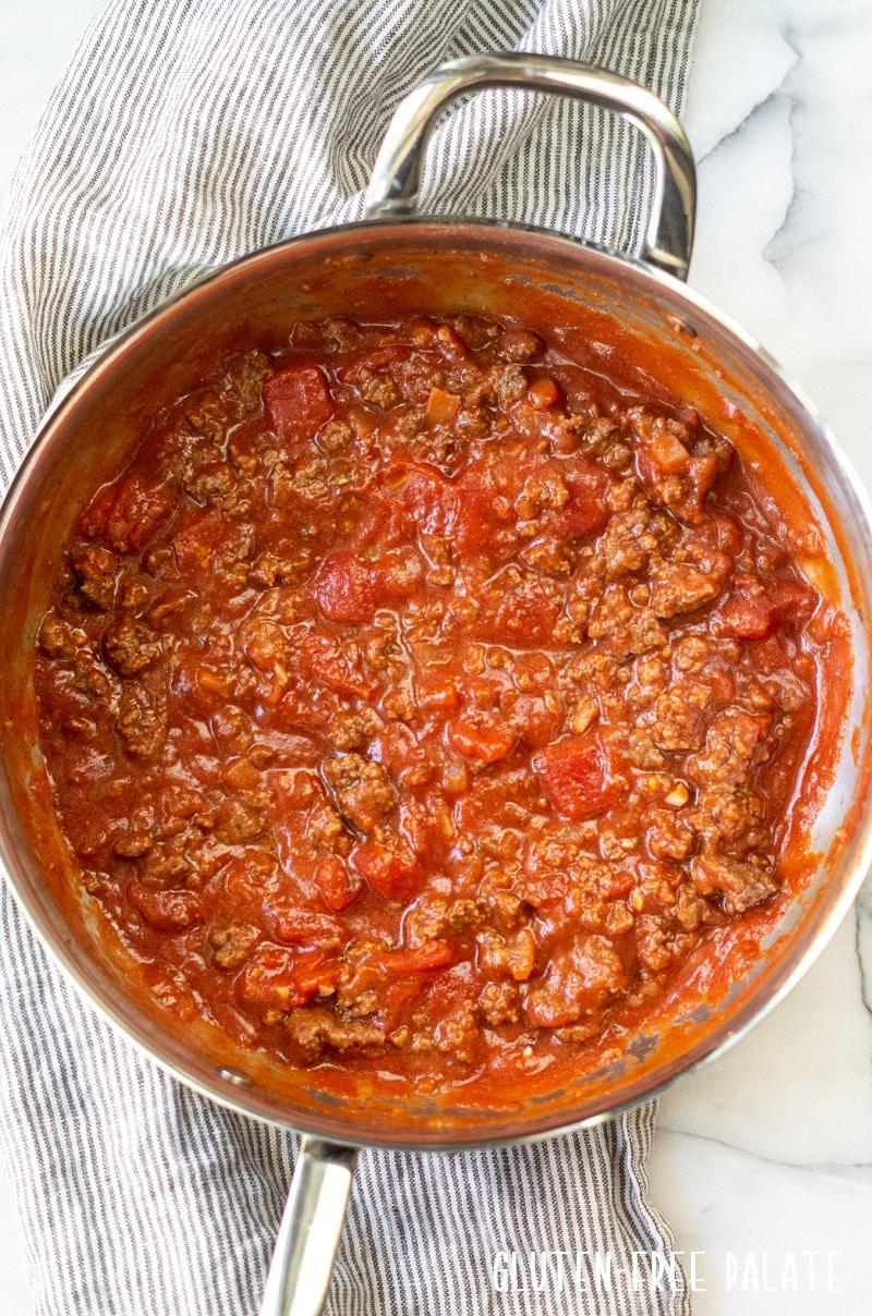 a pan of spaghetti sauce