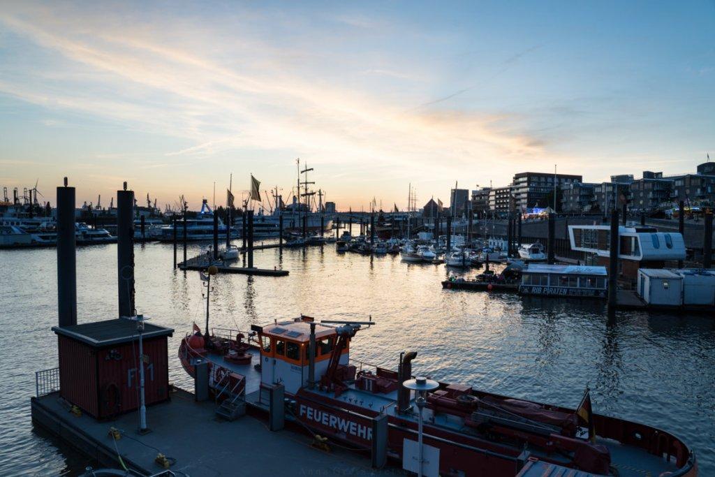 Ein Besuch des Hafens lohnt sich auch zum Sonnenuntergang