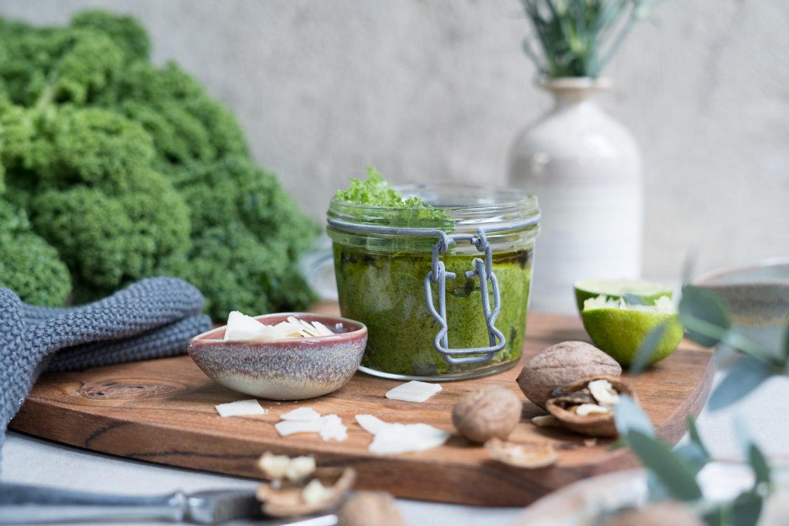 PEsto schmeckt auch aus Grünkohl!