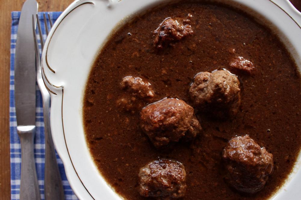 LITEN xxx kjøttkaker i brun saus 009