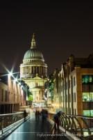 Saint Paul Cathedral depuis le Millenium Bridge