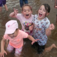 Year 2 have fantastic fun on their beach trip