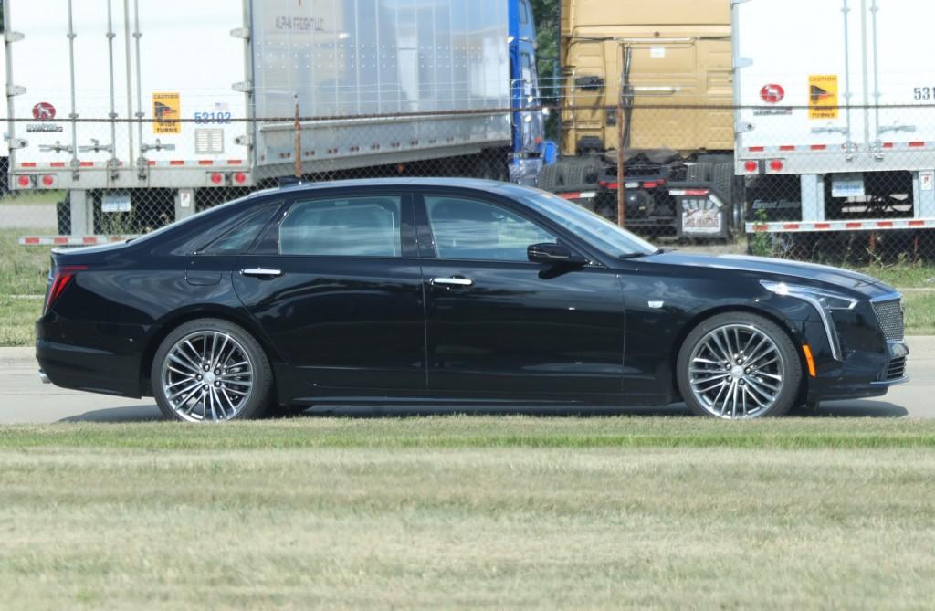 2019 Cadillac CT6 Sport 3.0L TT V6 - Black Raven GBA exterior zoomed - July 2018 003