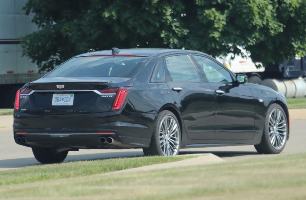2019 Cadillac CT6 Sport 3.0L TT V6 - Black Raven GBA exterior zoomed - July 2018 005