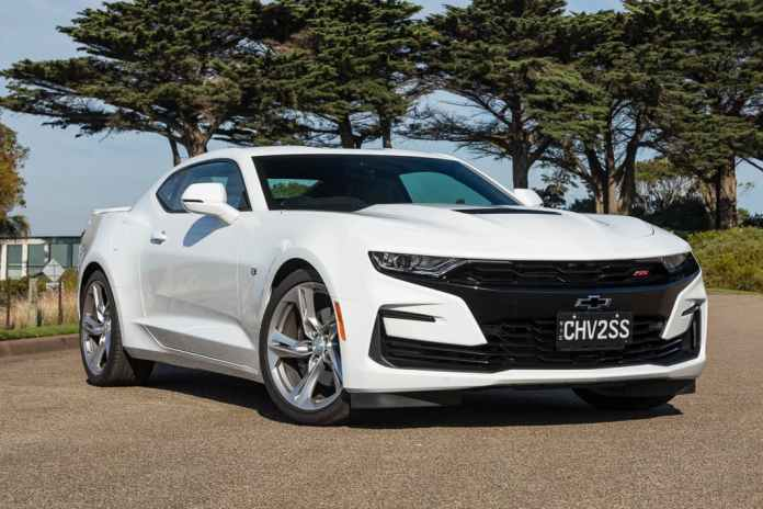Sixth Gen Chevrolet Camaro Could Live On Until 2026 Gm Authority