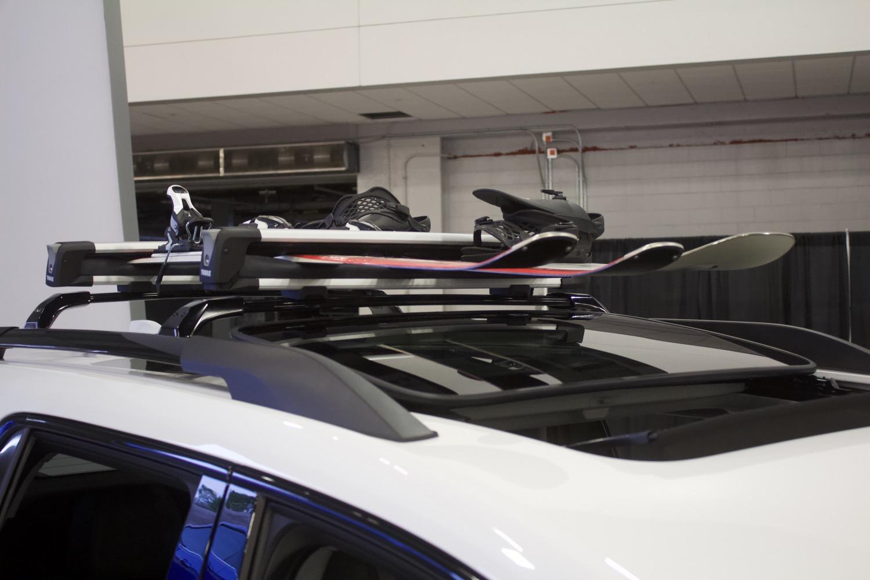 2020 gmc acadia at4 with ski rack looks