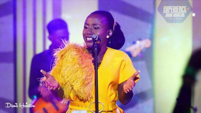 Diana Hamilton - Nsenkyerene Nyankopon (Miracle Working God) Lyrics