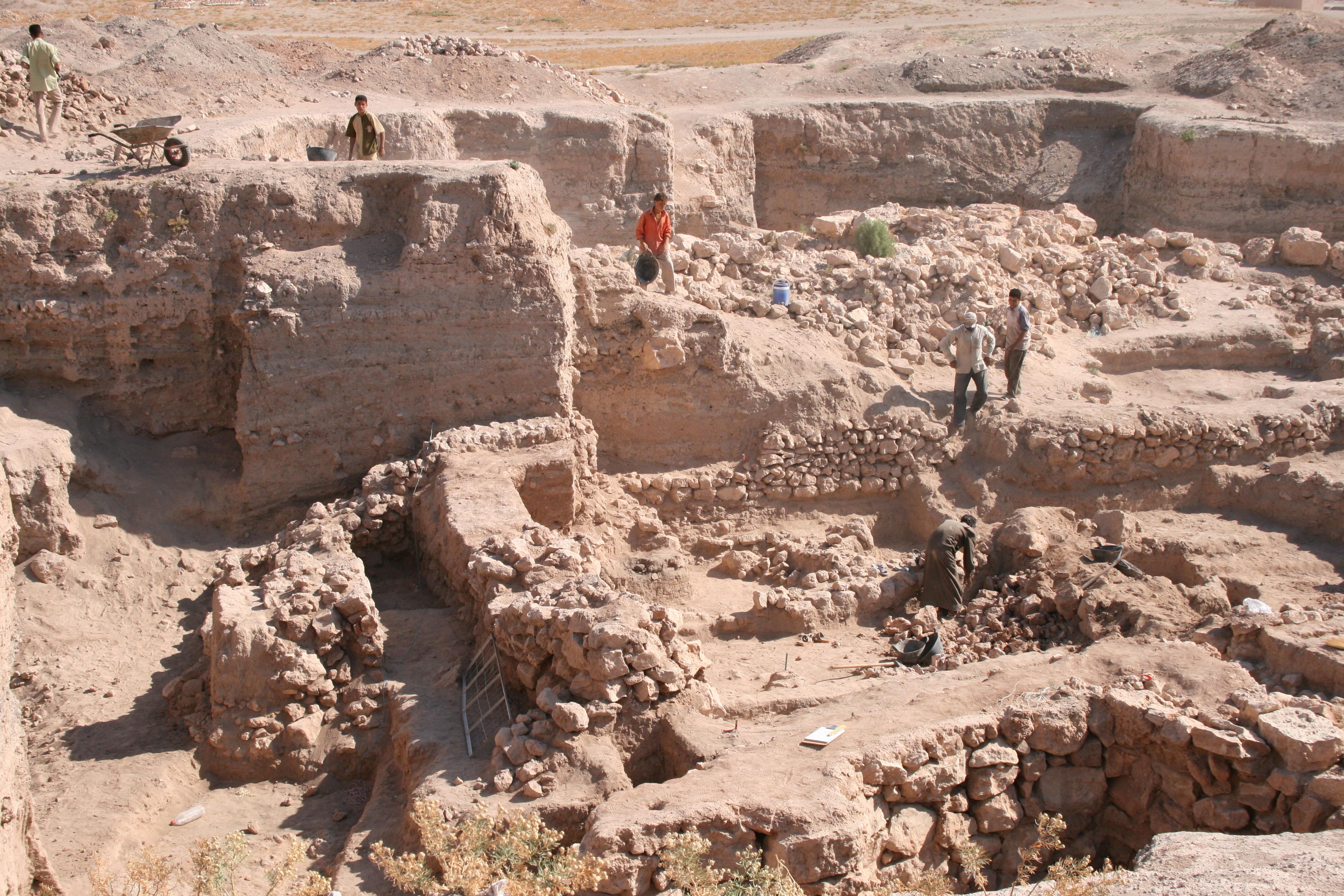 Bronze Age Excavation at Umm El-Marra