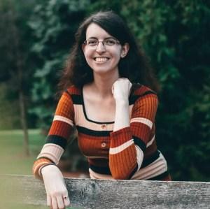 Erica Abbott Headshot