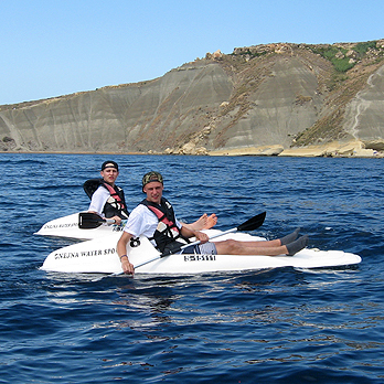 Hire 1 seater Canoes from Ġnejna