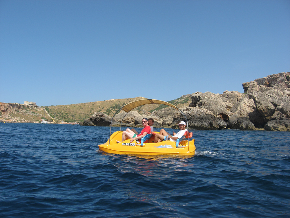 Paddle Boat going towards Għajn Tuffieħa Bay