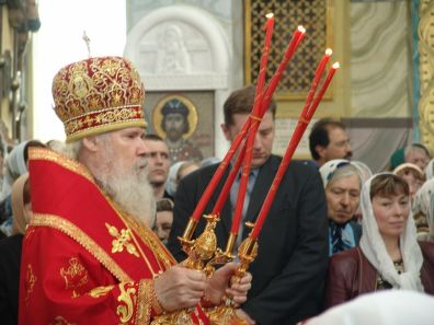 The members of the mission attended the Divine Liturgy of the Patriarch in the Holy Church of Saint George of Moscow