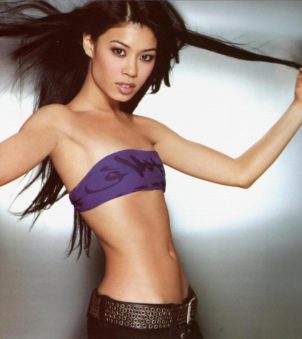 British violin prodigy and alpine skier Vanessa-Mae Nicholson became only the third person to represent Thailand in the Olympic Winter Games. Unfortunately, she placed last in the women's giant slalom, but we still love her!