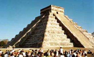vernal-equinox-El-Castillo-Pyramid-Chichen-Itza-Yucatan-Mexico