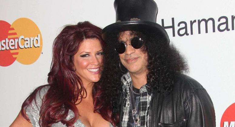 Guns N' Roses Guitarist Slash Agrees to Pay Estranged Wife ...