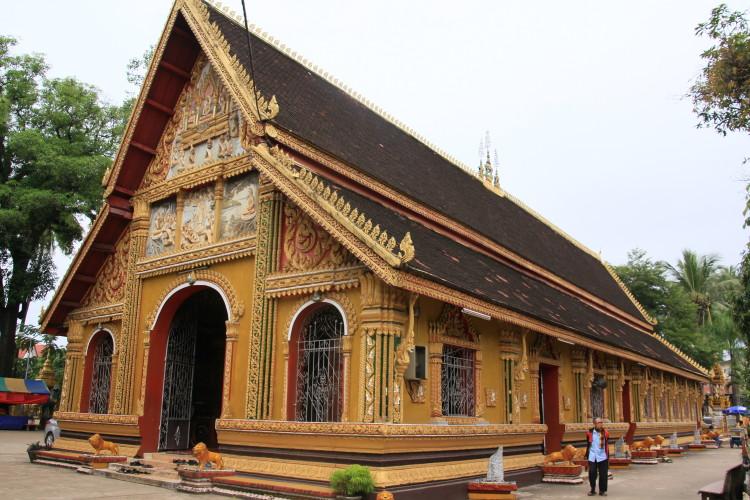 October 18, 2011 Wednesday Vientiane