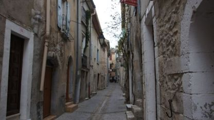 Wandering through the streets of Viviers