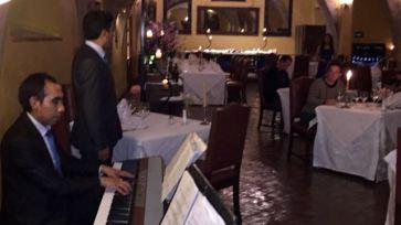 Opera for diner