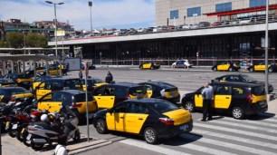 Many many taxis