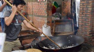 Making puffed rice