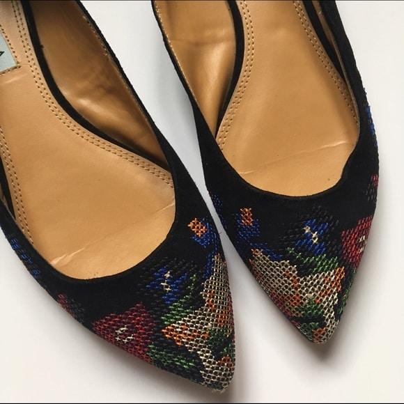 حذاء مطرز بغرزه الكنفا