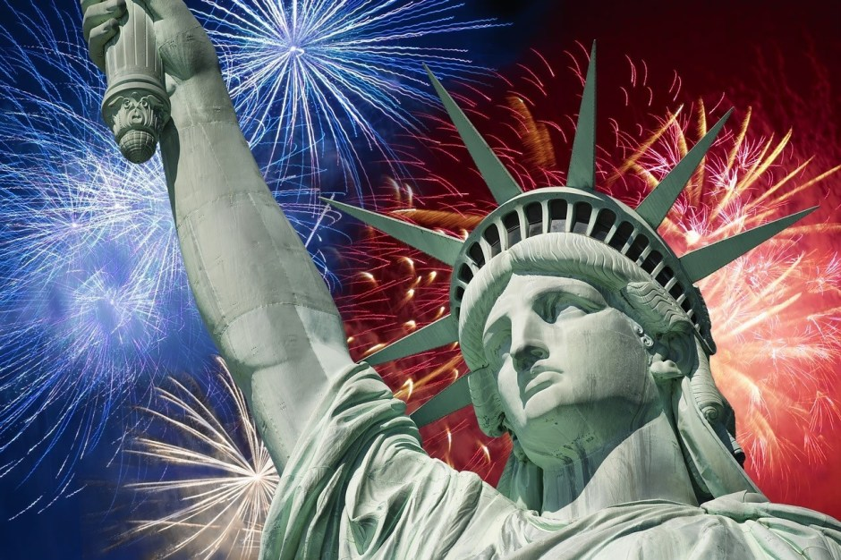 B2 Will Be Closed July 4th - Springfield MO Restaurant