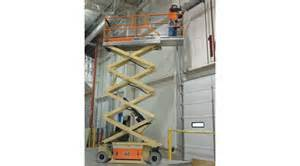 Scissorlift Rental from the Effingham Builders Supply