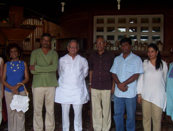 mauzo-with-gulzar-at-goa-chitra