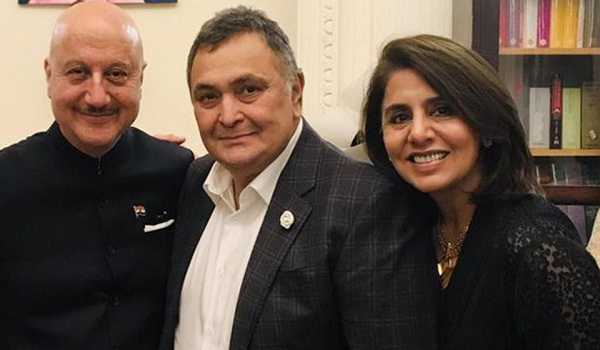 Rishi Kapoor returns to India after cancer treatment in NY