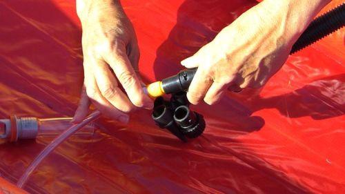 Using the twistlok valve.