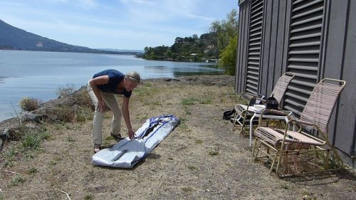Unfolding the kayak body