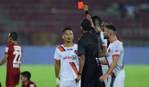 AIFF SUSPENDS FC GOA PLAYERS SEIMINLEN DOUNGEL AND HUGO BOUMOUS FOR MISCONDUCT