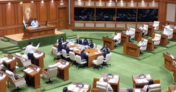 42 COMPANIES WILL BE SERVED NOTICES WITHIN 1 MONTH TO RECOVER MINING LOSSES INDICATED BY CA'S : GOA CM TELLS ASSEMBLY
