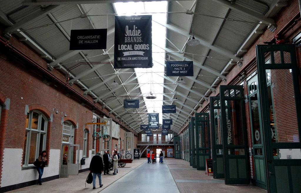 De Hallen – od zajezdni tramwajowej do centrum kultury