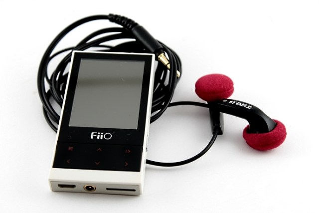 Fiio M3 with Earphone