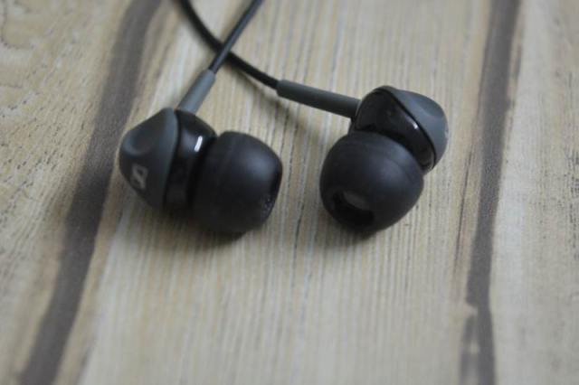 Sennheiser CX 180 Street II In-Ear Headphone Design