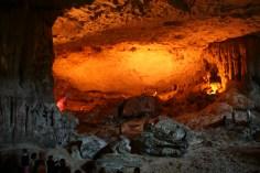 Unterirdische Höhlen in der Halong Bay