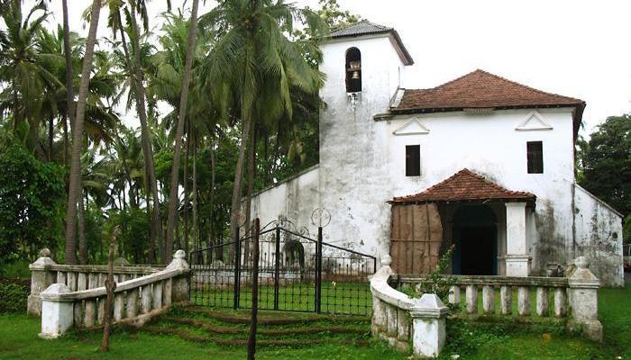 divar_island_church