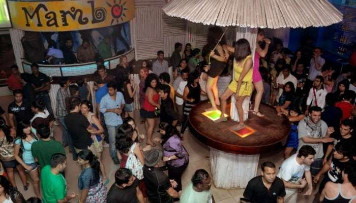 cafe-mambos-goa