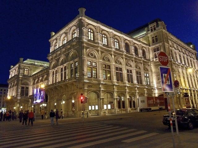 State Opera House (photo: Alberto da Sienta)