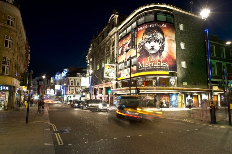Les Mis showing within London West End